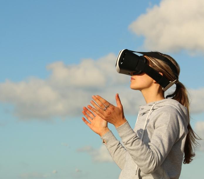 Как да включите виртуална реалност (Virtual Reality) в онлайн курсовете за обучение